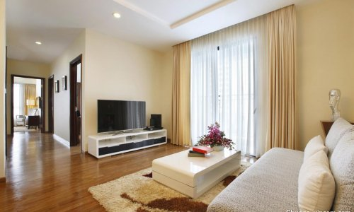 Apartment for rent in 29T1 Building, N05 Trung Hoa Nhan Chinh, Cau Giay district. Fully furnished.
