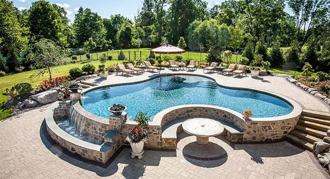 trang trí bể bơi