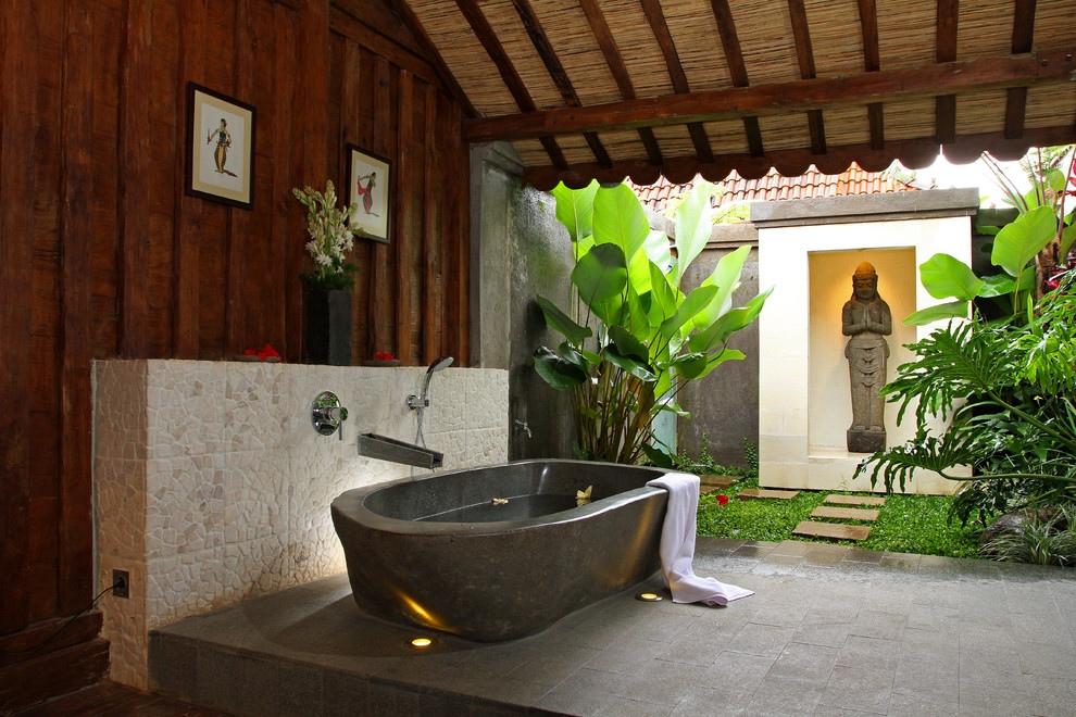 Mẫu phòng ấn tượng với bồn tắm nằm