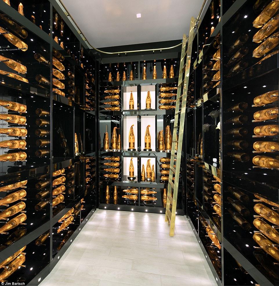 hầm chứa rượu