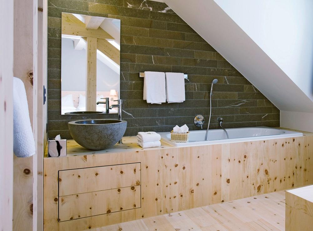 thiết kế phòng tắm gác mái