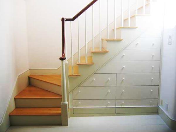 Cách thiết kế cầu thang hợp lý cho những ngôi nhà ống