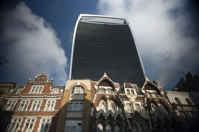 Khách hàng châu Á mua tòa tháp ở Anh với mức giá cao kỷ lục