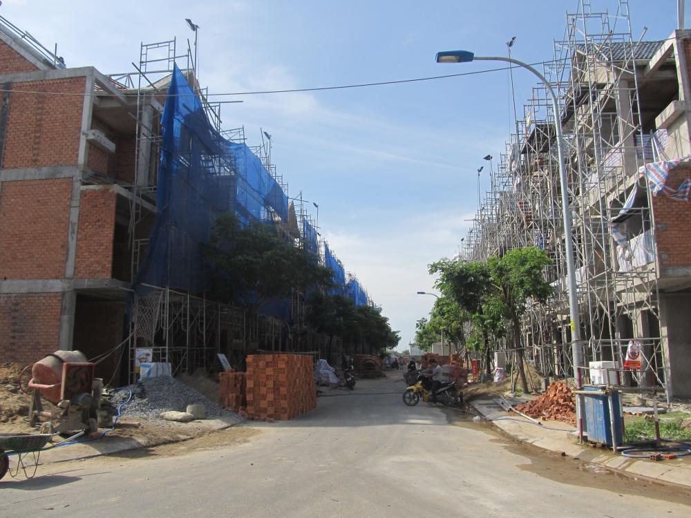 nhà phố xây sẵn