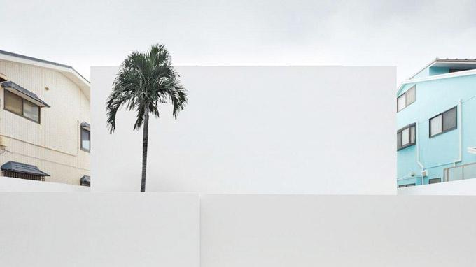Ngôi nhà 2 tầng trắng không tỳ vết tại Nhật Bản