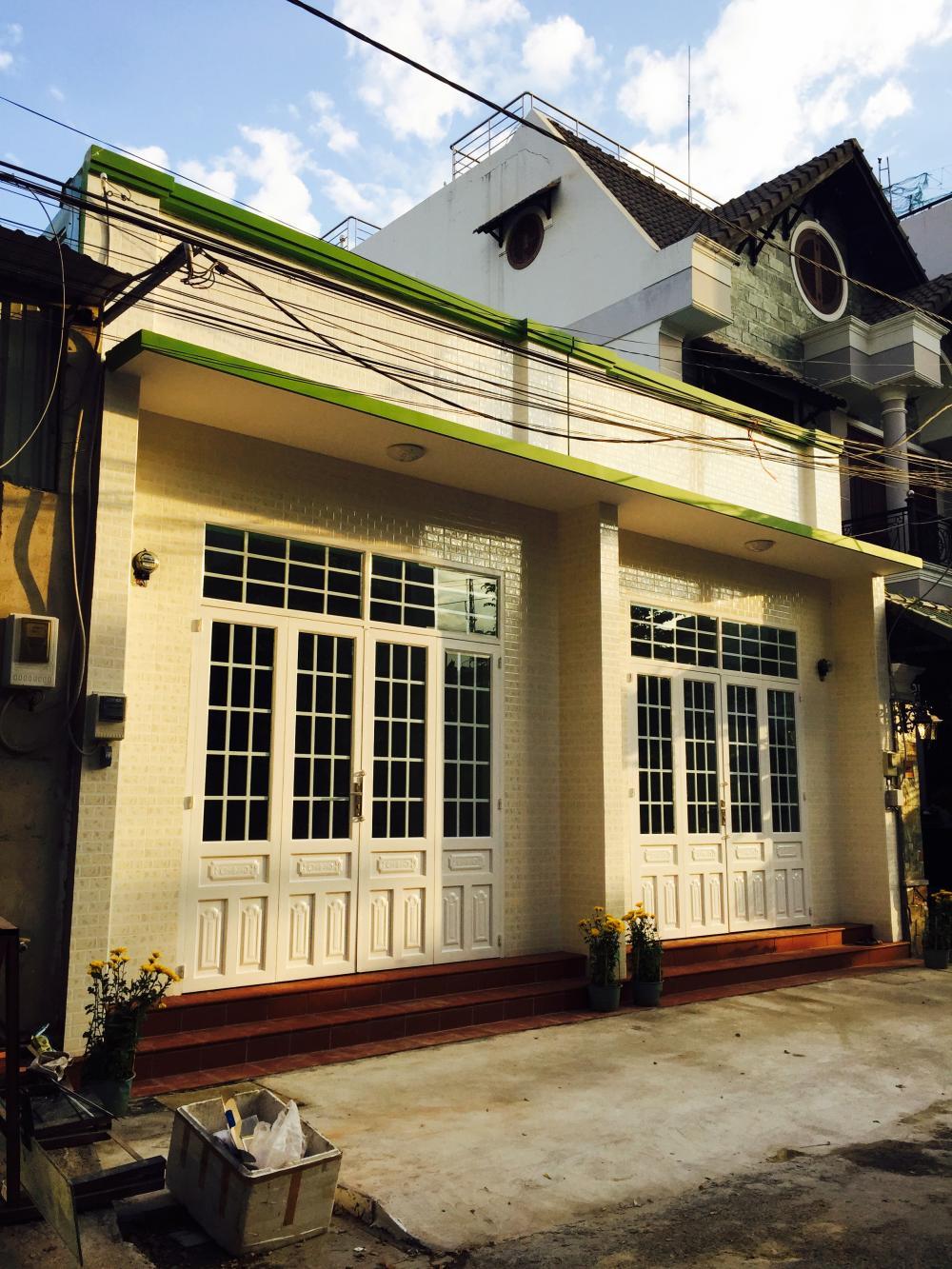 """Nhà riêng lẻ khu Đông Sài Gòn """"hút"""" khách mua"""