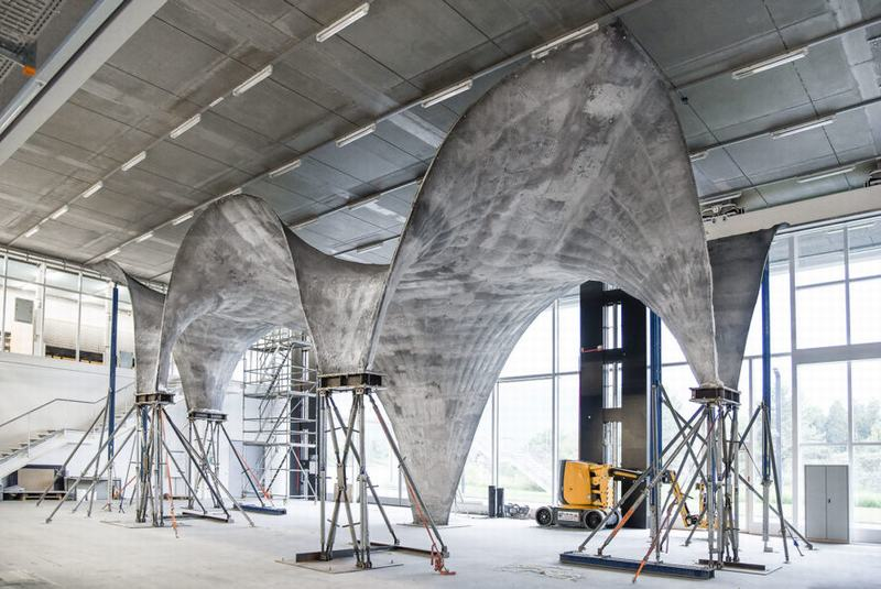 Sáng tạo thành công mái bê tông mỏng sản xuất ra điện năng