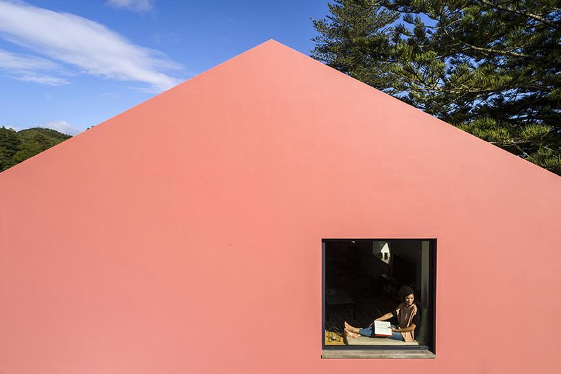 Ngôi nhà màu hồng lãng mạn ở Bồ Đào Nha