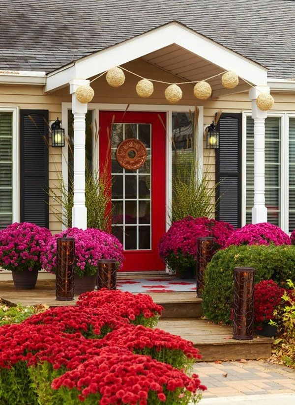 trồng hoa trước cửa nhà