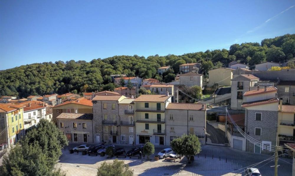 Thị trấn ở Ý rao bán nhà với giá 1 euro
