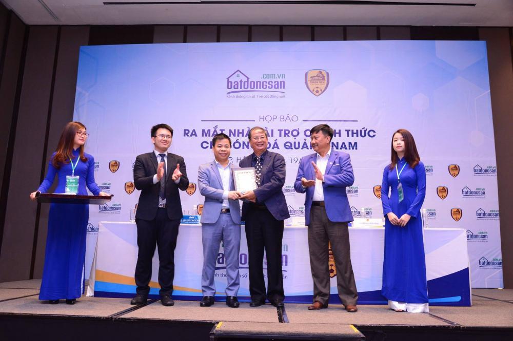 Batdongsan.com.vn là nhà tài trợ chính cho CLB bóng đá Quảng Nam