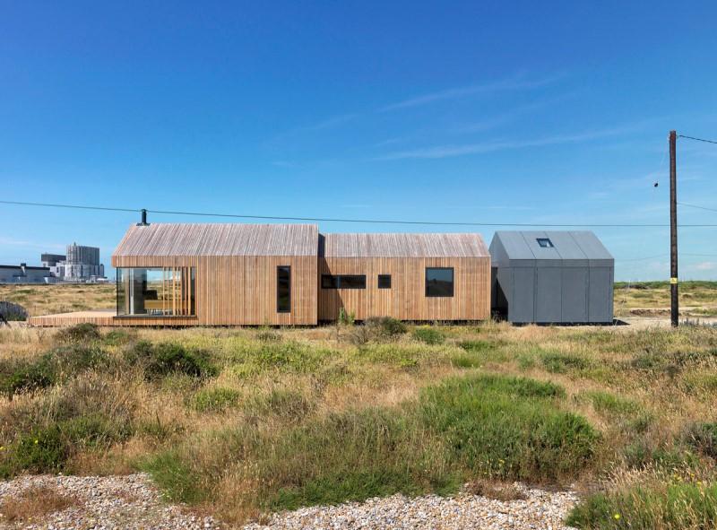 làm nhà bằng gỗ thông