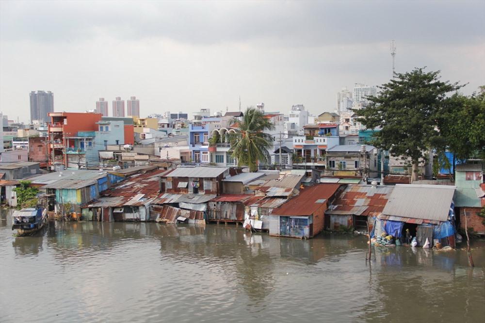 di dời 20.000 căn nhà trên kênh rạch