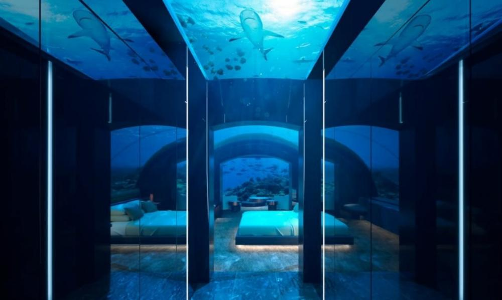 Khách sạn dưới nước siêu độc đáo ở Maldives