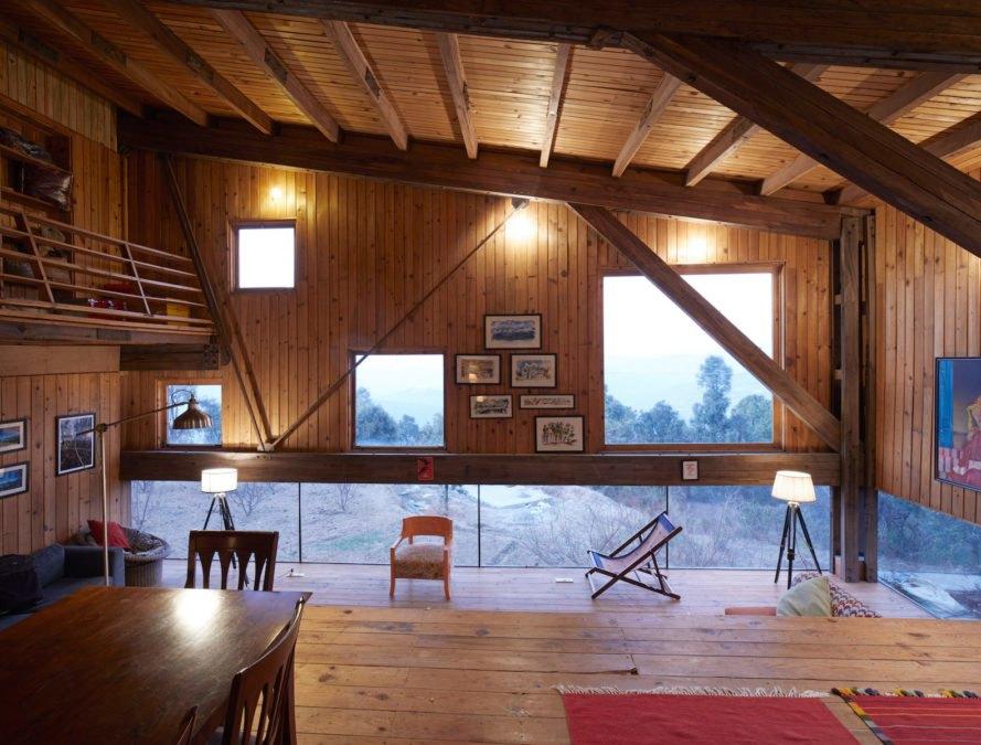 Tận hưởng kỳ nghỉ trong căn nhà gỗ nhìn ra dãy Himalaya