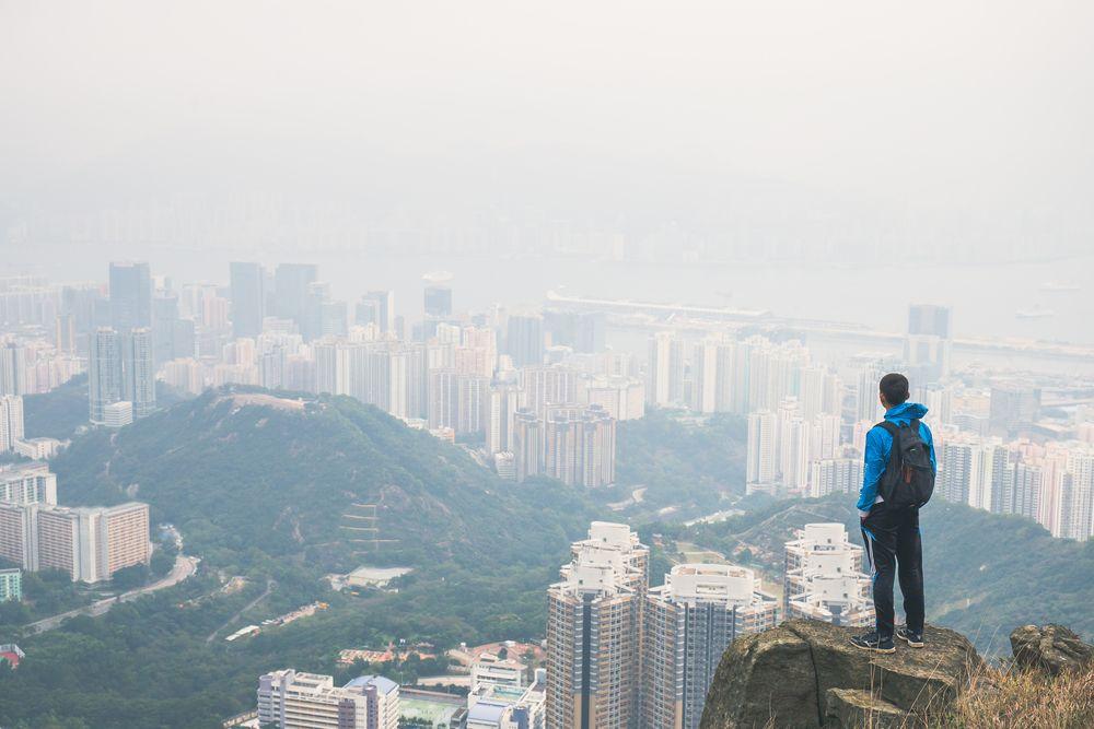 Giới trẻ Hồng Kông: Mua nhà bây giờ hoặc không bao giờ