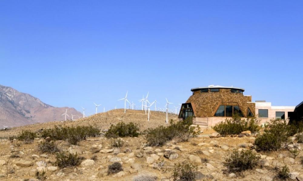 Thăm nhà mái vòm đẹp cá tính giữa sa mạc Mỹ