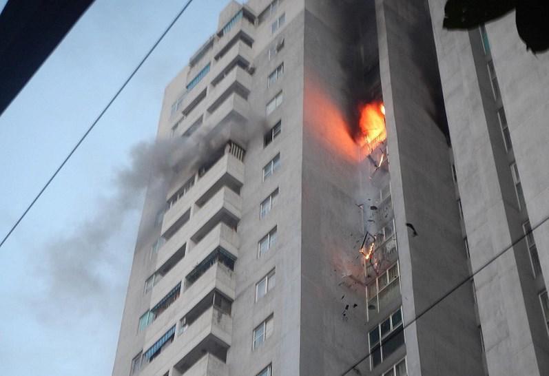 Cháy chung cư Bắc Hà Fodacon