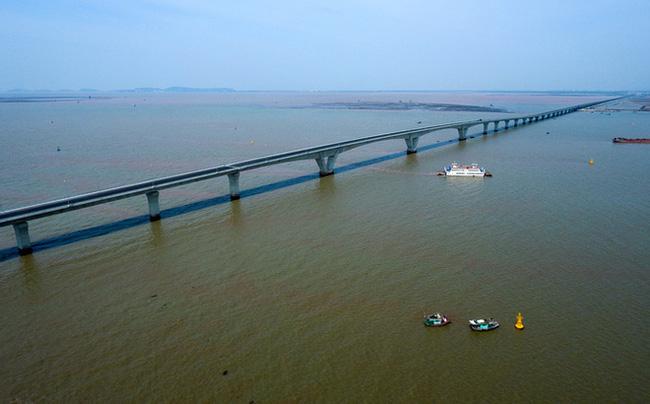 cầu Tân Vũ - Lạch Huyện