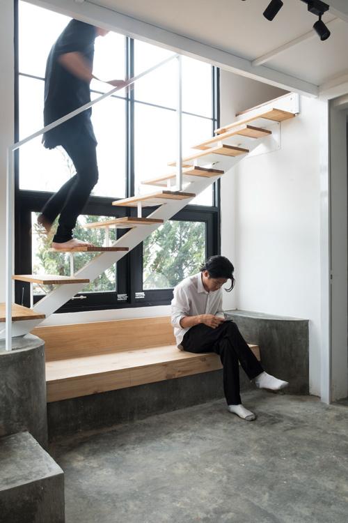 cầu thang tối giản