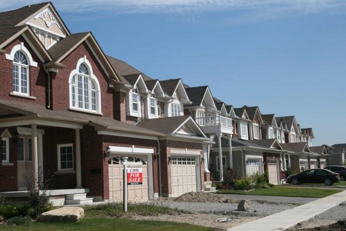 Doanh số bán nhà tại Canada