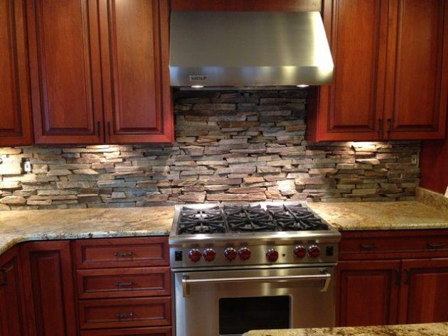 Gạch lát tường căn bếp