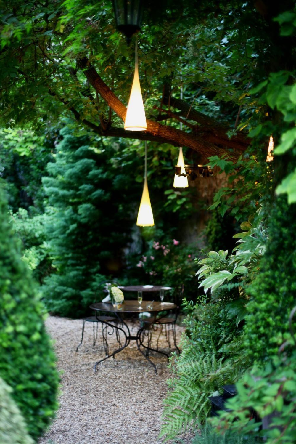 trang trí không gian ăn uống ngoài trời đẹp 18