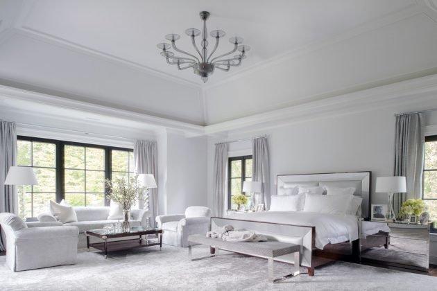 Giường nên đặt gần cửa sổ để mang lại không khí thoáng mát, dễ chịu