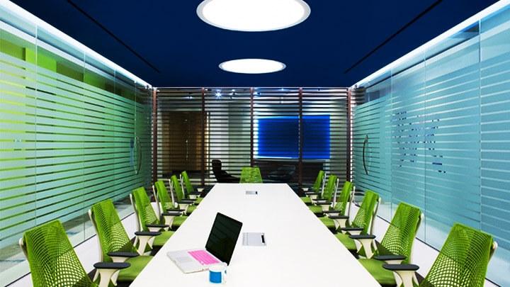 phòng họp màu xanh