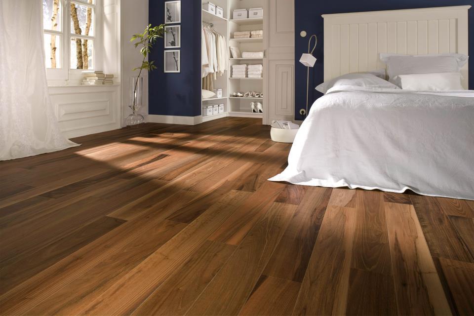 Sàn gỗ tự nhiên mang cảm giác gần gũi, ấm cúng
