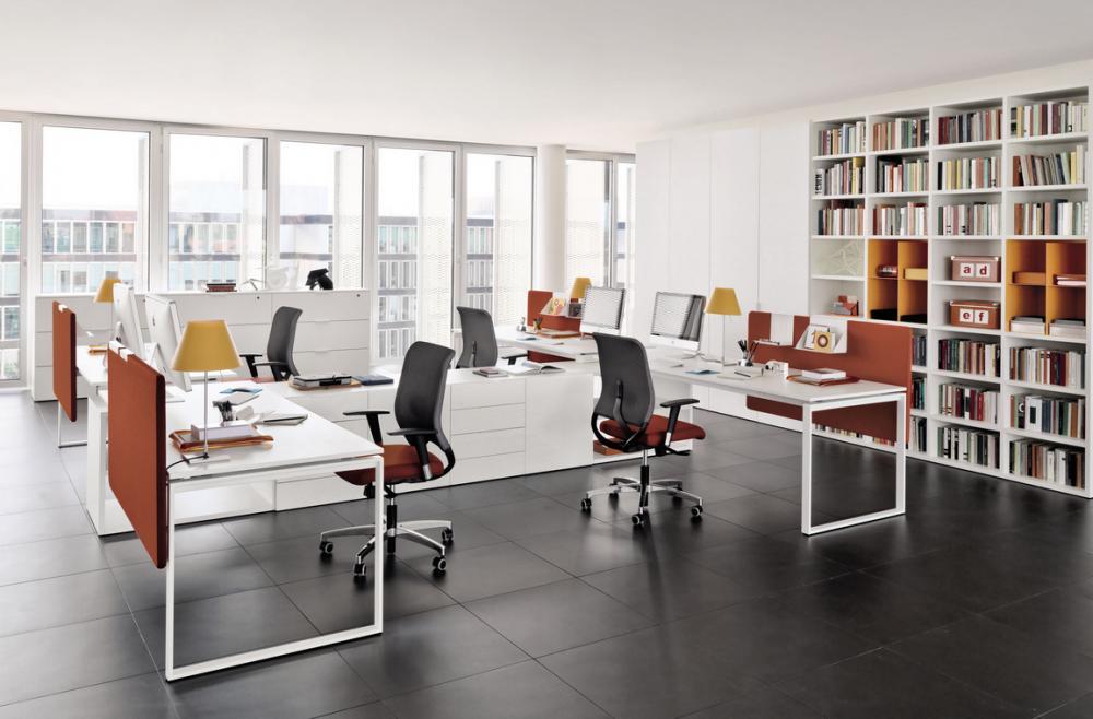 Ghế xoay giúp nhân viên ngồi làm việc thoải mái hơn