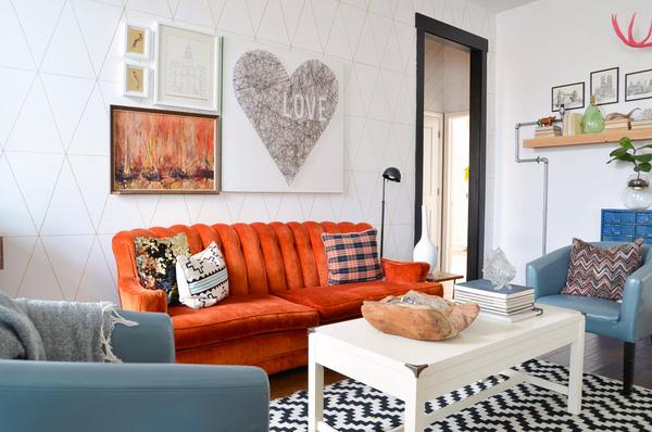 Màu sắc nội thất cũng ảnh hưởng đến tổng thể phòng khách