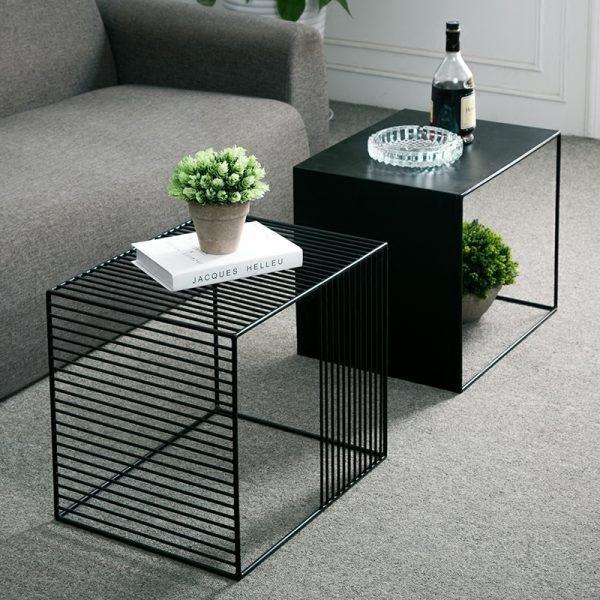 bàn màu đen