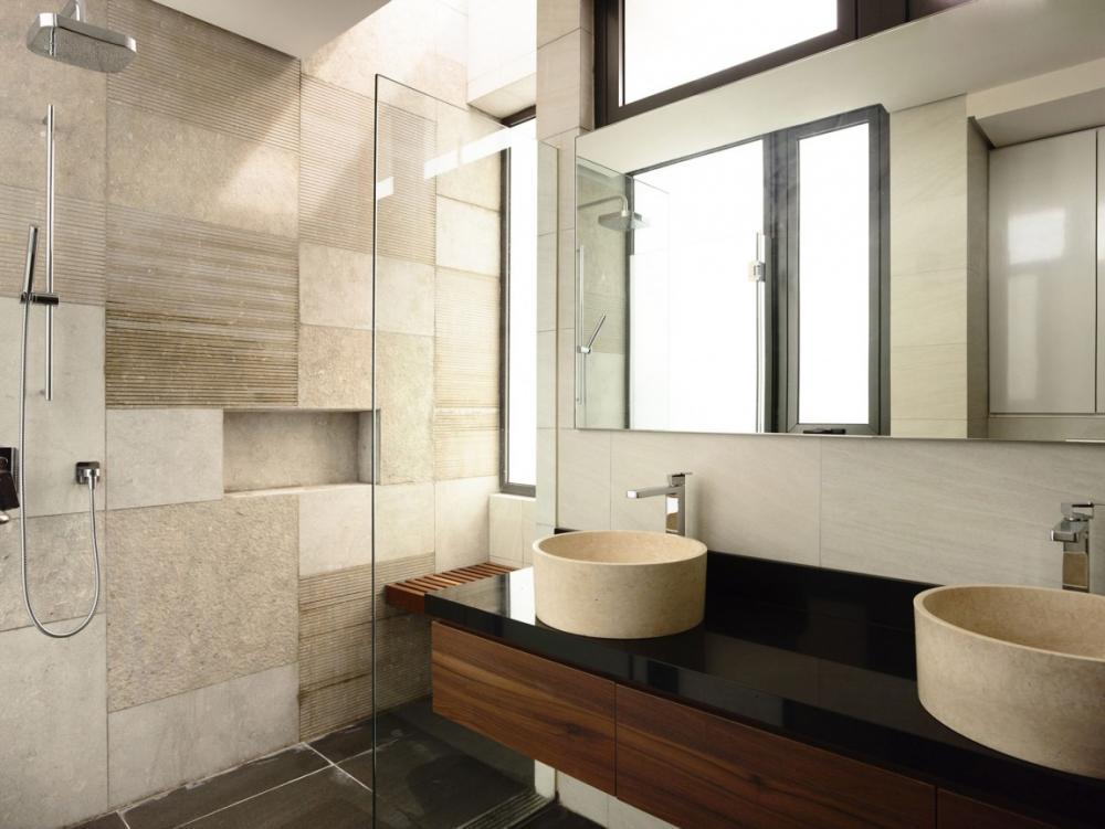 Phòng tắm cần được lắp đặt hệ thống thông gió để đảm bảo thông thoáng