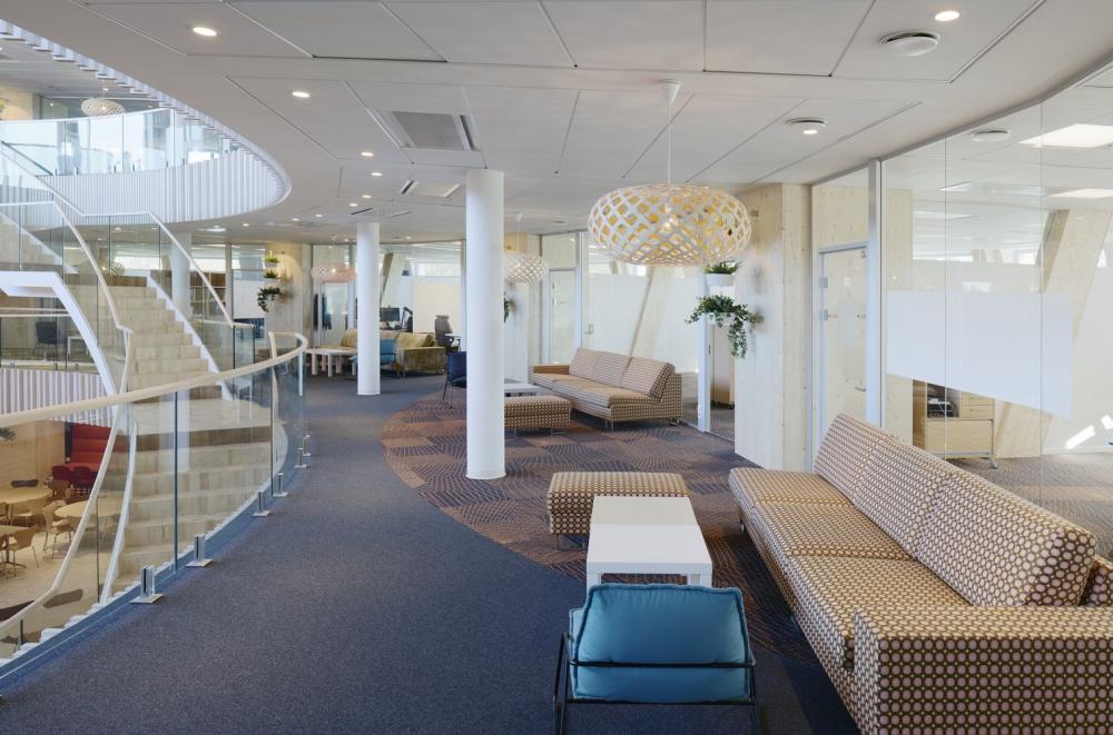 Có rất nhiều không gian để nhân viên ngồi làm việc nhóm hoặc độc lập tùy thích