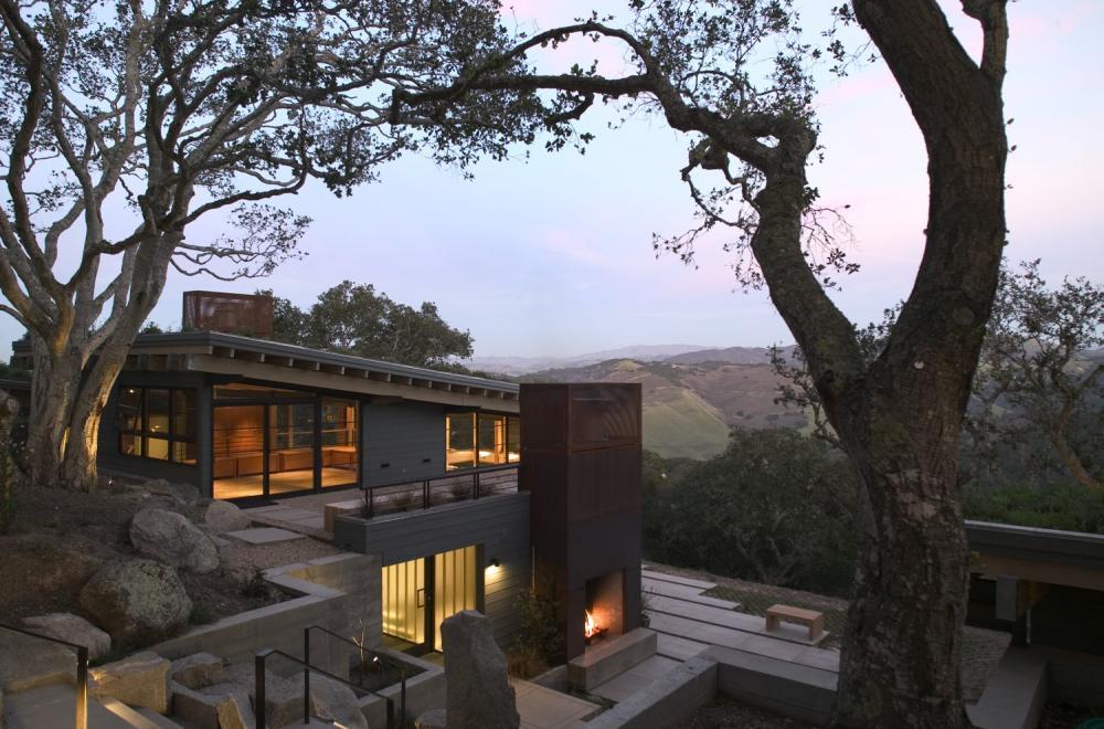 Toàn bộ cấu trúc ngôi nhà làm từ gỗ tự nhiên