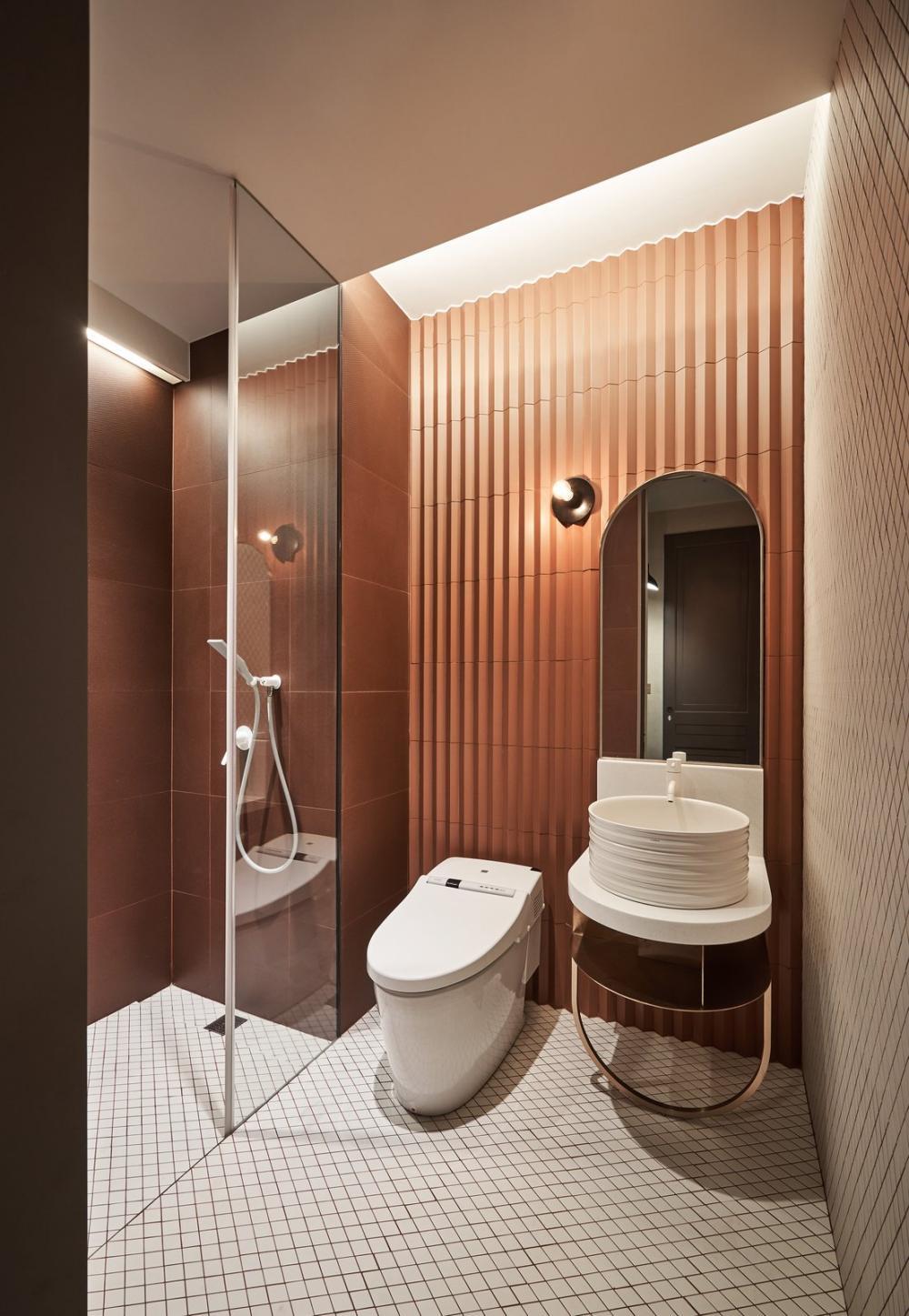 Phòng tắm được thiết kế theo phong cách bán cổ điển