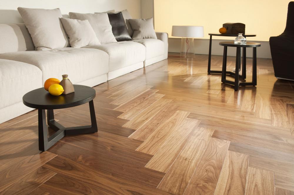 Sàn gỗ công nghiệp được xử lý tốt về chống mối mọt, cong vênh, mầu sắc đa dạng, có nhiều kiểu vân gỗ rất tự nhiên và sang trọng