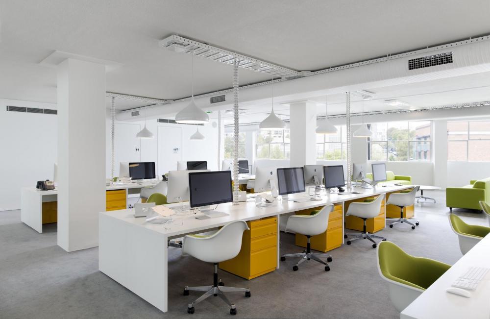 Thiết kế mở đôi khi gây bất tiện cho nhân viên làm việc