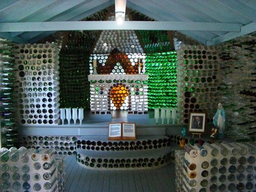 Nhà xây từ chai thủy tinh