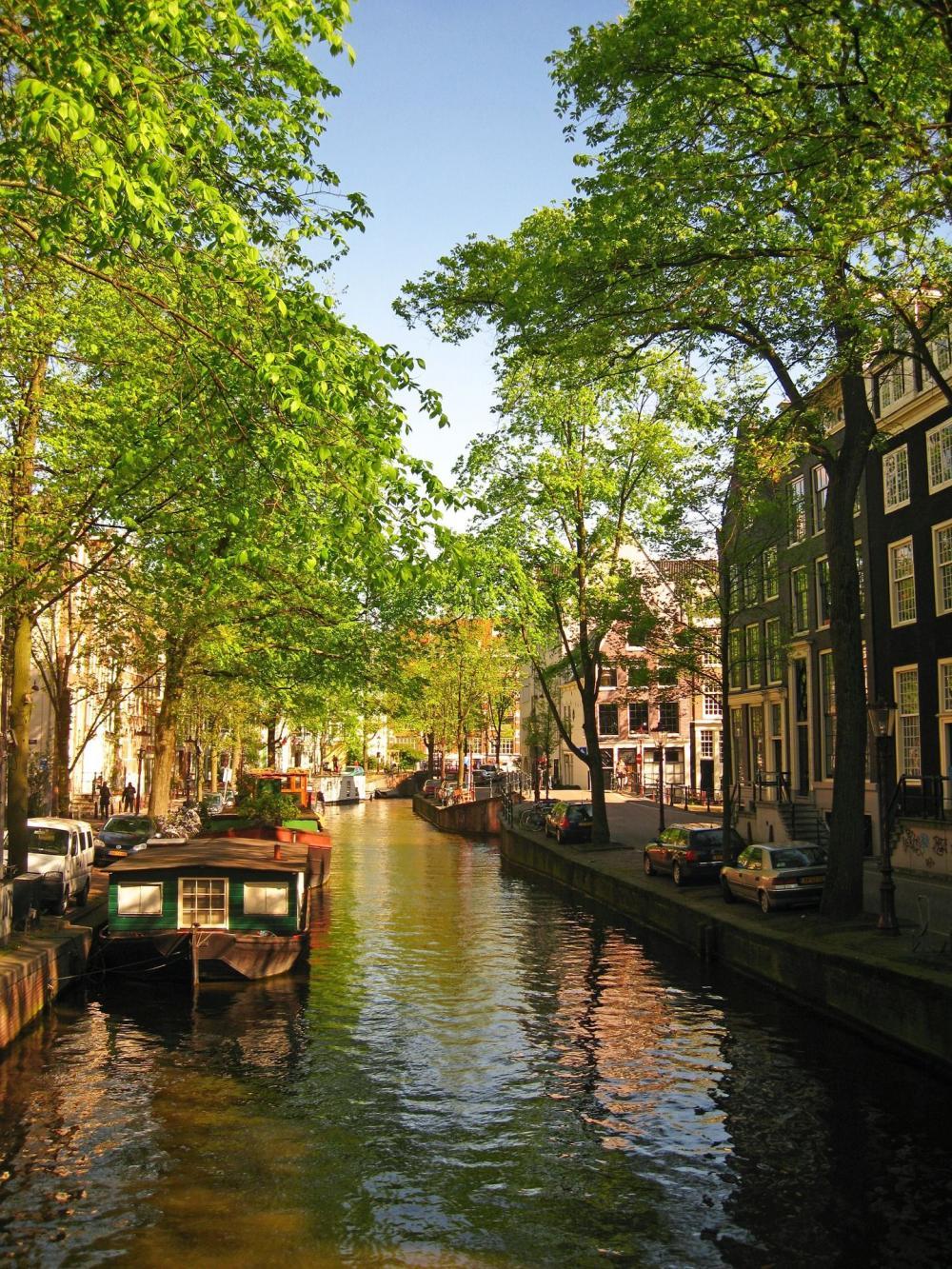 Những con kênh ở Amsterdam giúp giải tỏa giao thông rất nhiều