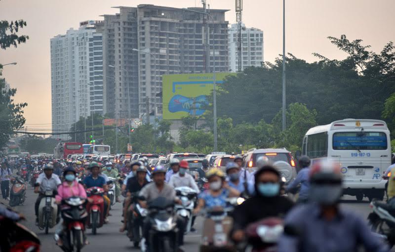 giải cứu ùn tắc khu Nam Sài Gòn