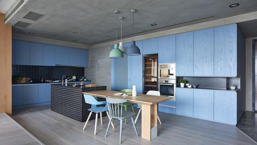 Tủ bếp sơn màu xanh nhạt