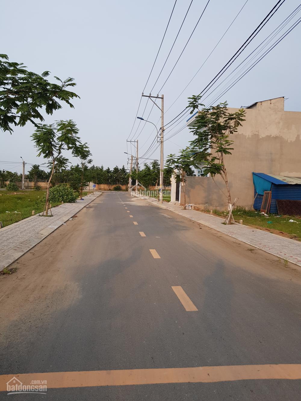 Bán đất thổ cư mt đường trường lưu, xây dựng tự do, dt 5m x 22m, giá 44tr/m2 tl, tel