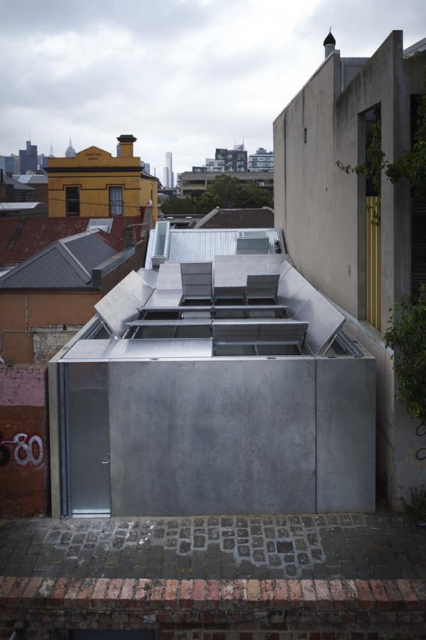 mái nhà có thể tự động đóng mở