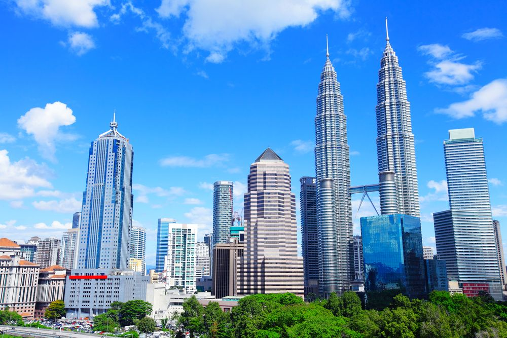 Chương trình hỗ trợ mua nhà giá phải chăng của Malaysia thu hút khách hàng, có khả năng kéo dài hơn dự kiến. Ảnh: ESB Professional/ Shutterstock