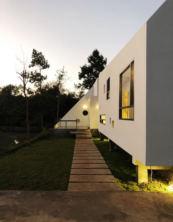Ngôi nhà có hình khối lạ mắt, hiện đại
