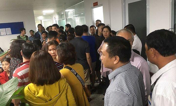 Đà Nẵng: Công ty địa ốc bị hàng trăm người vây đòi sổ đỏ suốt đêm