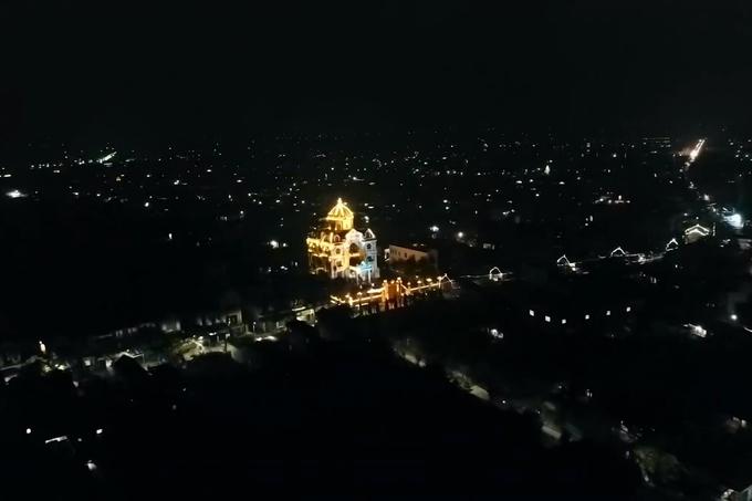 tòa lâu đài hoàng tráng của đại gia Nam Định