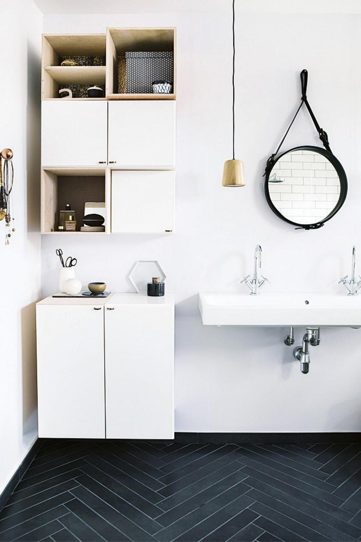 mẫu phòng tắm đen - trắng phong cách